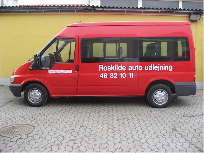 Bus 9 personer. 8 passager og 1 chauffør
